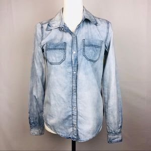 Iris Los Angeles Size Small Chambray Top